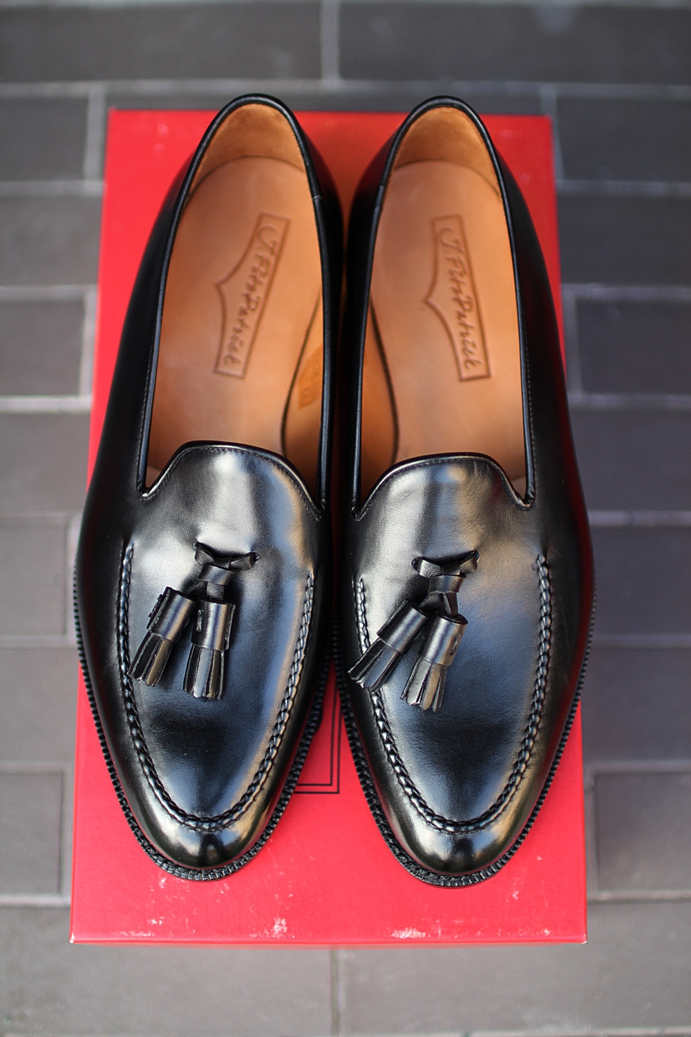 Tassel loafer black LESCHIJ.fitz patrick(제이피츠패트릭)