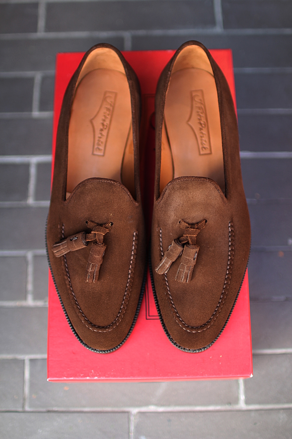 Tassel loafer Dark brown suede LESCHIJ.fitz patrick(제이피츠패트릭)